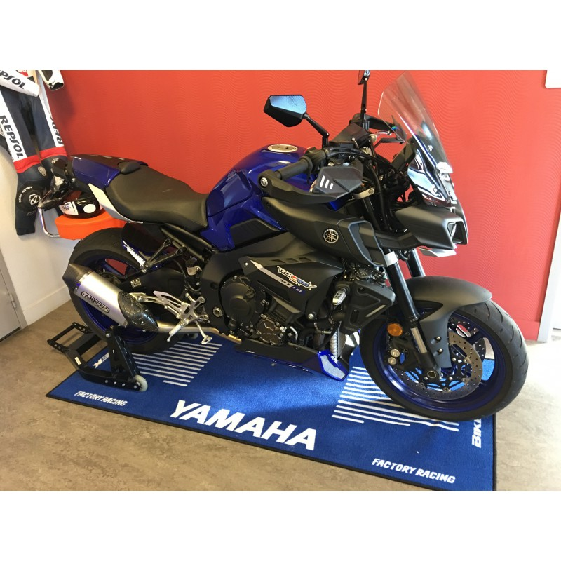 tapis moto yamaha pour garage atelier paddock ou showroom tech2roo. Black Bedroom Furniture Sets. Home Design Ideas